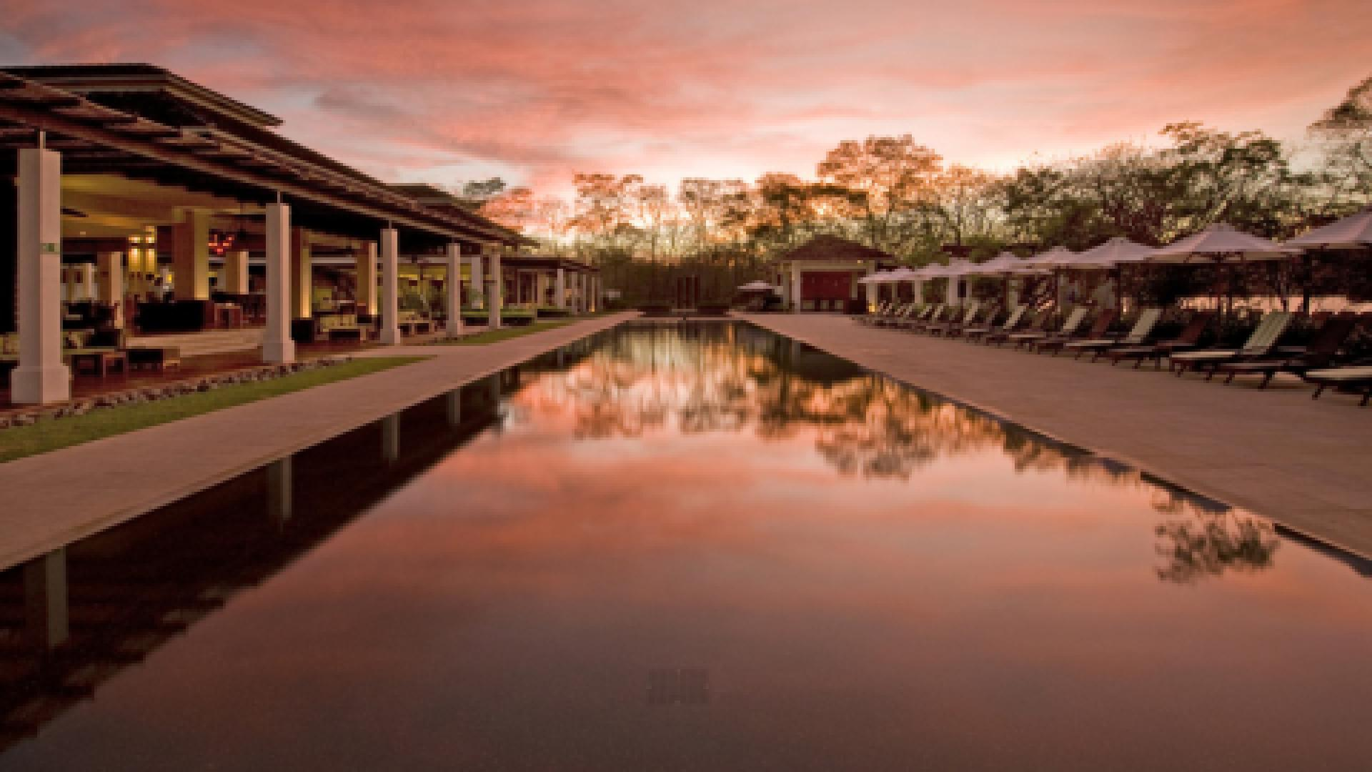 pool design, infinity pool, contemporary pool, pool service,Joan Roca