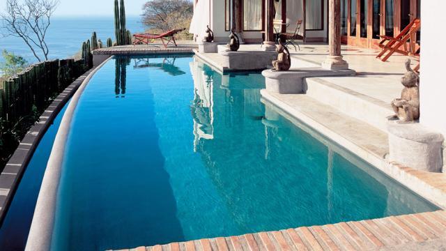 infinity pool vanishing edge Tamarindo